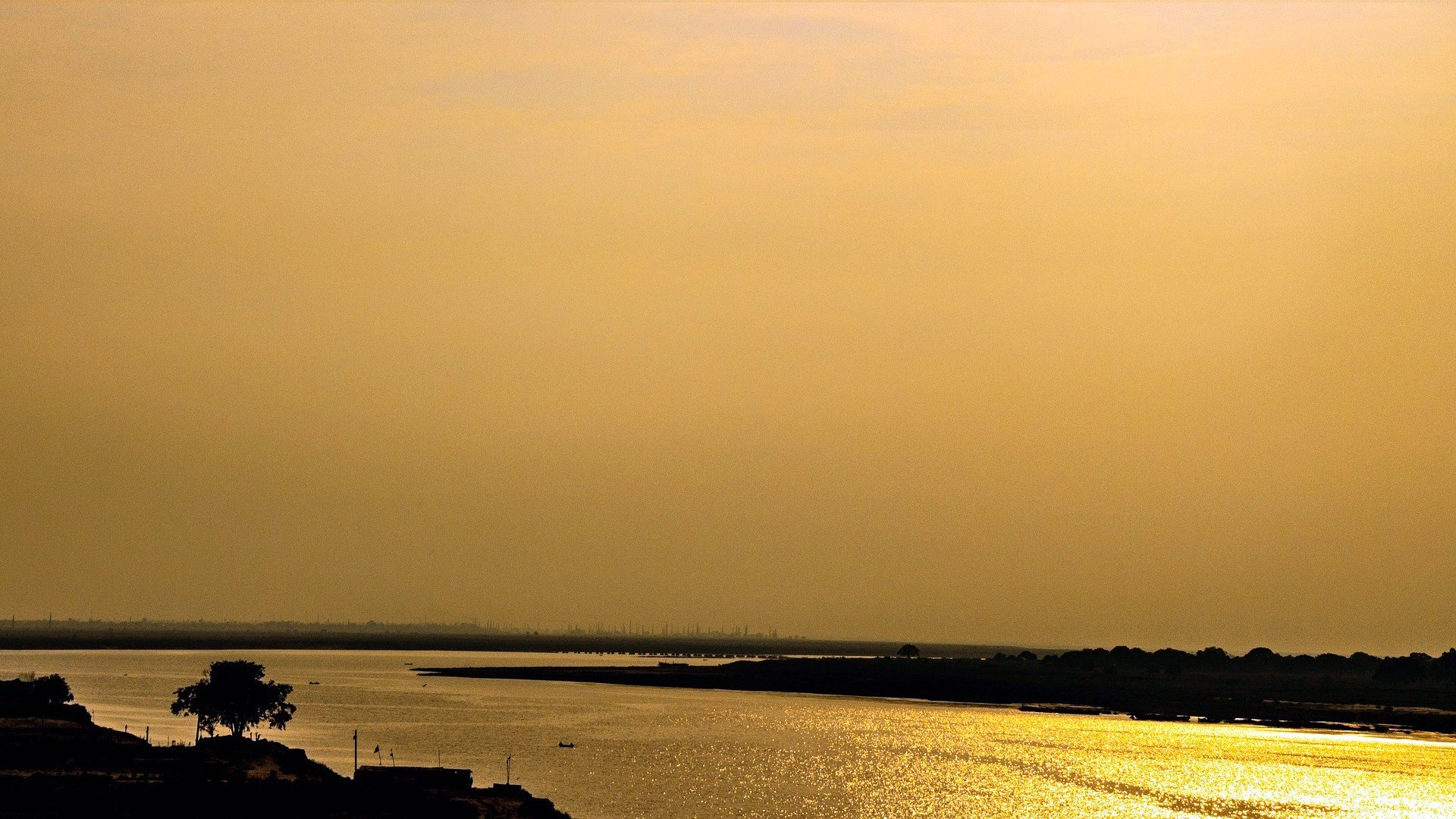 Patna has a scenic location on the Ganges River